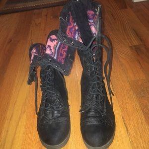 Black reversible combat boots